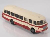 RA Došlý 101009 Škoda 706 RTO červený/bílý, pruh, 1x4-dílné dveře H0