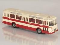 RA Došlý 102100 Karosa ŠM 11 červený, bílý pruh, 3x2dílné dveře H0