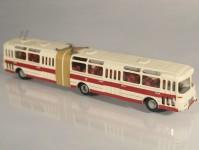 RA Došlý 102401 Karosa ŠM 16,5 červený/bílý pruh, 4x2dílné dveře H0