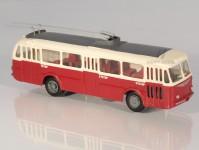 RA Došlý 120700 Škoda Tr7 červený/bílý, 3x4-dílné dveře H0