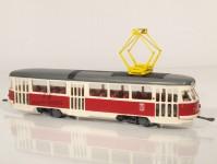 RA Došlý 801220 Tatra T2 Ostrava, červená, pantograf, výřezy, dvě světla H0