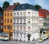 Auhagen 11398 rohový městský dům Schmidtstrasse 25 H0