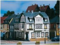 Auhagen 12255 městský rohový dům Irish Pub H0/TT