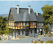 Auhagen 12343 obytný dům Bahnhofstrasse 1 H0/TT