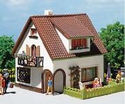 Faller 130200 rodinný dům s vikýřem H0/TT