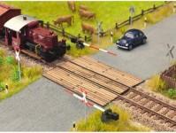 Noch 14305 železniční přejezd dřevěné fošny