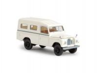 Brekina 13775 Land Rover 109 zavřený bílý