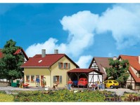 Faller 131358 rodinný dům s přístřeškem