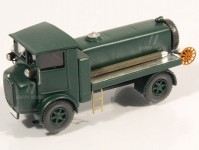 Modelauto 87482z Tatra 23 cisterna zelená 1930