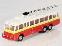 RA Došlý 121000 Škoda Tr1 červený/bílý,2x2-dílné dveře, Praha H0