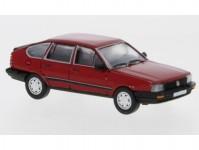 Brekina PCX870076 VW Passat B2 červený 1985