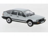 Brekina PCX870078 VW Passat B2 stříbrný 1985